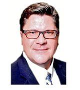 Warren Smith, Real Estate Pro in Prairie Village, KS