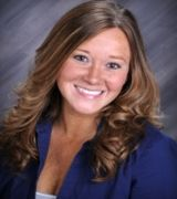 Sara Smith, Real Estate Agent in Davenport, IA