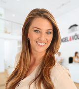 Juliana Marc…, Real Estate Pro in Jupiter, FL