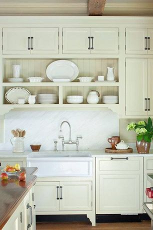 Cottage Kitchen with full backsplash, Complex Marble, Standard height, Farmhouse sink, Kitchen island, double oven range