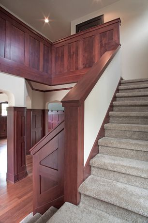 Craftsman Staircase with High ceiling, Carpet