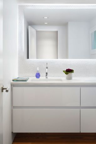 Contemporary 3/4 Bathroom with Keystones 1 inch x 1 inch arctic white hexagon mosaics