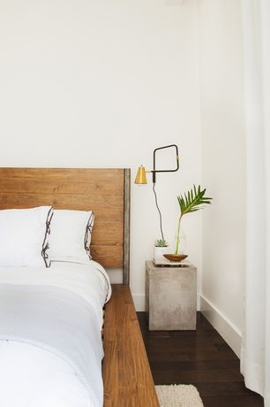 Modern Master Bedroom with Hardwood floors, High ceiling
