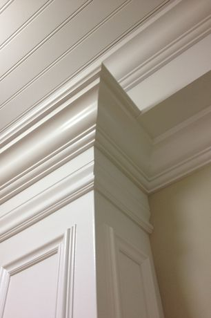 Traditional Hallway with Ekena Millwork Stockport 26-in x 0.39-ft Polyurethane Preassembled Picture Frame Moulding