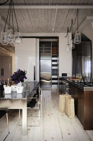 Contemporary Kitchen with Undermount sink, Built In Refrigerator, L-shaped, Breakfast bar, Kitchen island, double wall oven