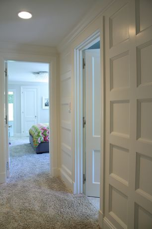 Traditional Hallway with Carpet, Crown molding