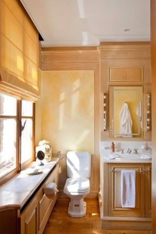 Cottage Full Bathroom with Hardwood floors, Flush, Crown molding, Frontier Roman Shades Soft Fold/Hobbled, Raised panel