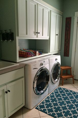 Traditional Laundry Room with Drop-in sink, travertine tile floors, Paint 2, stone tile floors, High ceiling, Paint 1