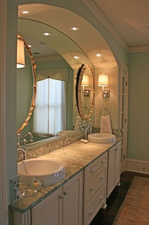Modern Master Bathroom with can lights, Concrete floors, Crown molding, Standard height, Carpet