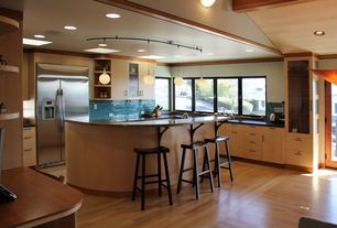 Contemporary Kitchen with Bellawood - Natural Red Oak, Crown molding, Pendant light, Wood counters, Kitchen island, U-shaped