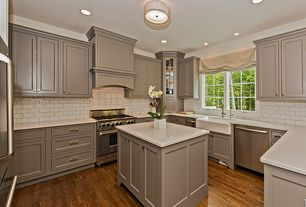 Mid range traditional design ideas pictures zillow digs for Mid range kitchen cabinets