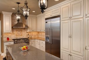 Traditional Kitchen with L-shaped, Breakfast bar, Stonemark Granite-Granite Countertop in Yellow River, Raised panel