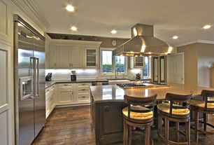 Traditional Kitchen with Crown molding, electric cooktop, Kitchen island, Island Hood, Paint1, Flat panel cabinets, Casement