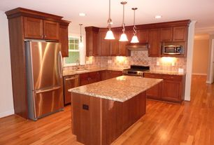 Traditional Kitchen with Terre verte canton elm engineered hardwood, Flat panel cabinets, Stone Tile, Kitchen island