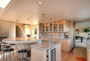 Traditional Kitchen with Breakfast bar, Simple granite counters, Flush, Undermount sink, Simple Granite, Kitchen island