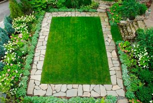 Traditional Landscape/Yard with Pathway, Flagstone, Blue Point Juniper, Robinson Flagstone - Irregular Flagstone, Stone steps
