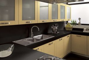 Modern Kitchen with Curved bar pull