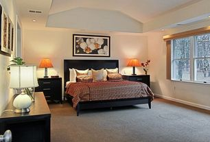 Modern Guest Bedroom with Carpet, High ceiling