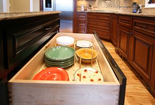 Traditional Kitchen with Laminate floors, Raised panel, High ceiling, flush light, Paint 1, Complex granite counters