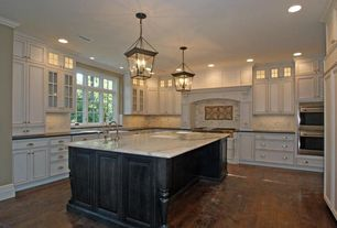 Traditional Kitchen with Flush, Undermount sink, can lights, Built In Panel Ready Refrigerator, Kitchen island, U-shaped