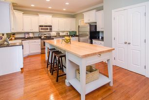 Traditional Kitchen with Simple granite counters, Oak - Praline 3 1/4 in. Solid Hardwood Plank, Kitchen island, Flush