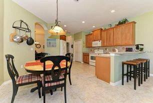 Traditional Kitchen with Complex granite counters, High ceiling, Eat in kitchen, Raised panel, Destiny: Fairlawn Cabinets