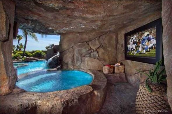 Rustic swimming pool by brad andersohn zillow digs for Rustic pools