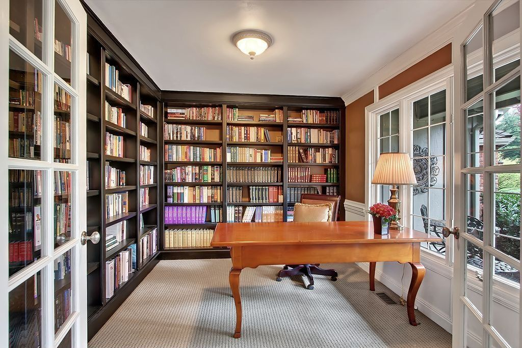 Traditional home office with crown molding built in bookshelf flush - Traditional Home Office With Built In Bookshelf Amp Carpet