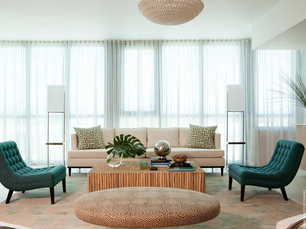 Contemporary Living Room with Thomasville 4 Seat Highlife 4 Seat Sofa, Standard height, flush light, specialty window, Carpet
