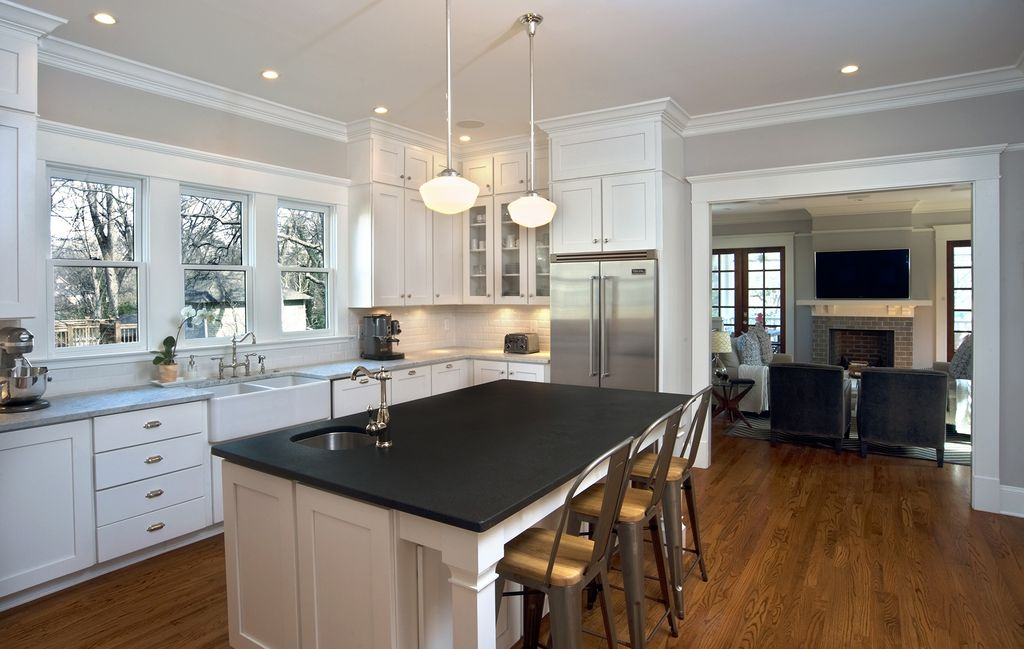 Cottage Kitchen with Standard height, Framed Partial Panel, Breakfast bar, Rejuvenation vernon bin pull, Paint 1, Casement