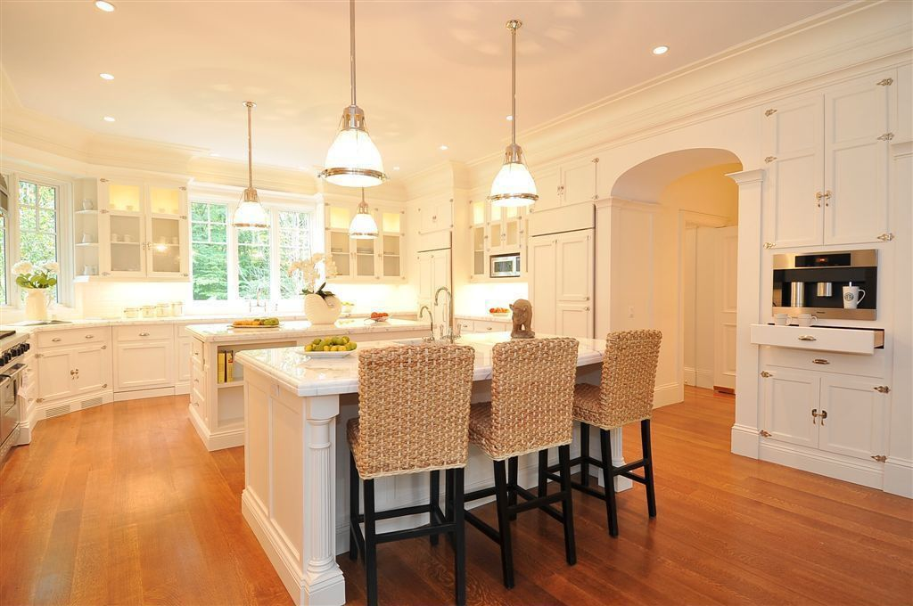 Traditional Kitchen with Casement, Kitchen Faucet Double Handle Style, full backsplash, Standard height, Kitchen island