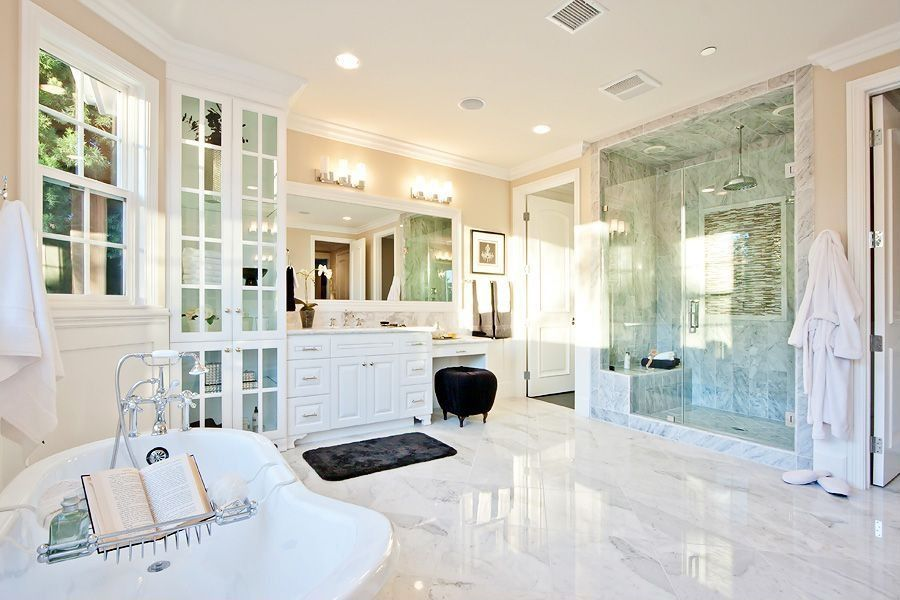Traditional Master Bathroom With Complex Marble European
