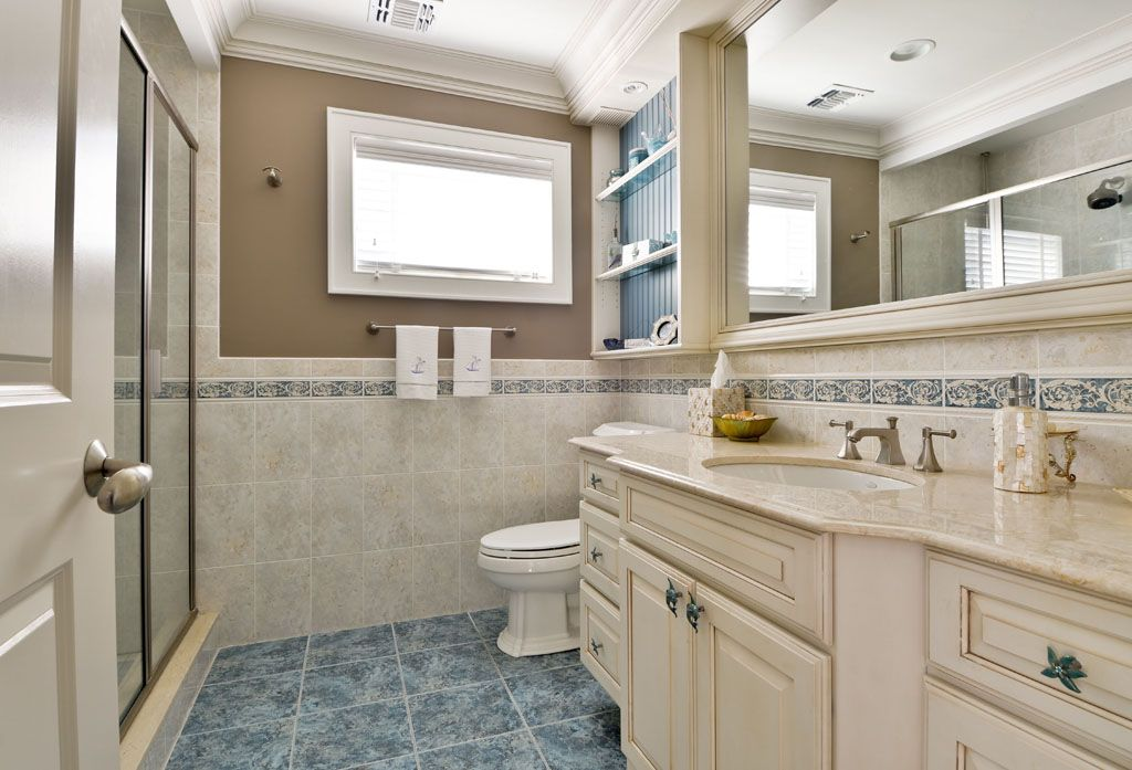Traditional 3/4 Bathroom with framed showerdoor, Limestone counters, Arizona tile, FLORA LISTELLE, Listelles, Shower, Paint 2