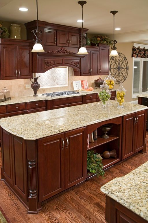 Traditional Kitchen with Framed Partial Panel, Paint 1, Raised panel, full backsplash, U-shaped, Stone Tile, Standard height