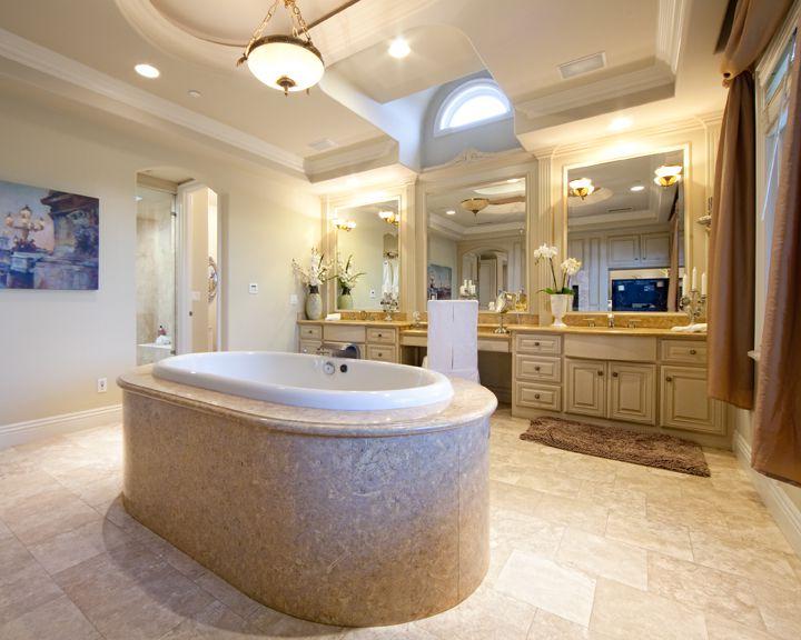 Traditional Master Bathroom with flush light, Raised panel, drop in bathtub, specialty door, Crown molding, Bathtub, Casement