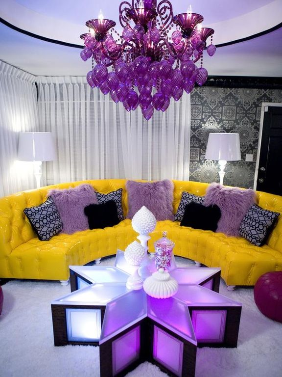 Eclectic Living Room with Sinatra sofa in canary faux leather, interior wallpaper, Carpet, Crown molding, Standard height