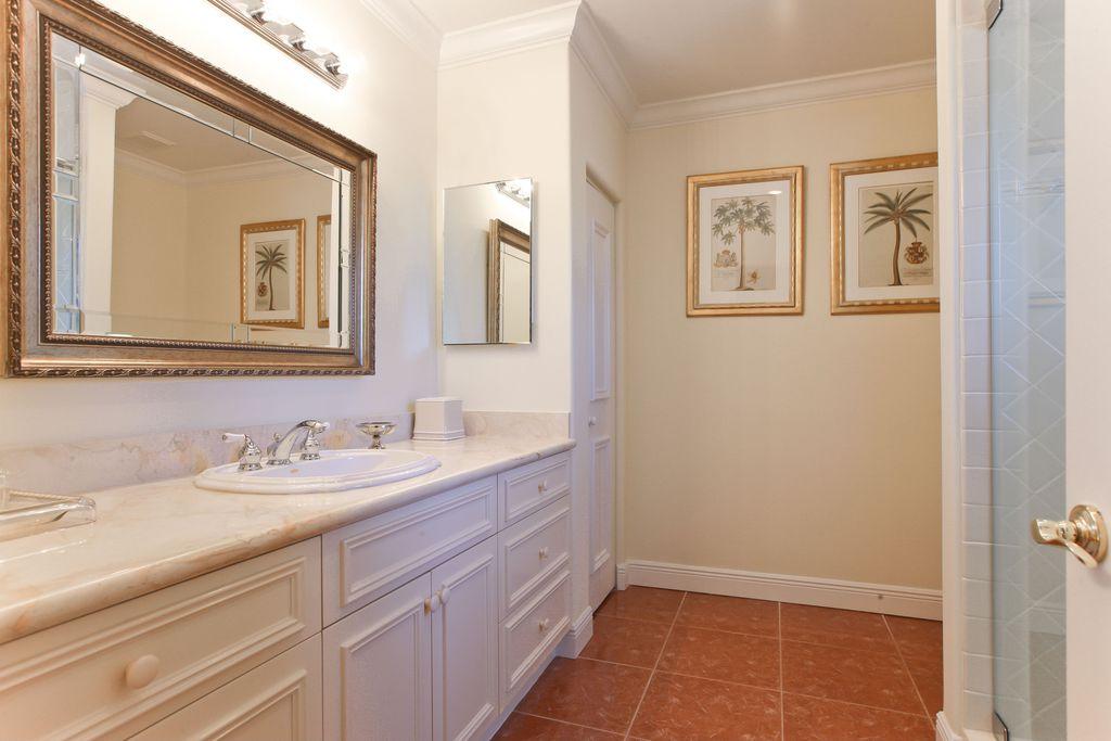 Traditional Full Bathroom with stone tile floors, Full Bath, Standard height, Flush, wall-mounted above mirror bathroom light
