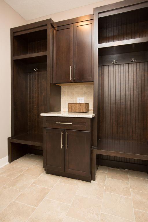 Modern Mud Room with Daltile bone bx01 6x6 wall field tile, Amerock bp19541ss pull, stainless steel, Stainless steel hardware