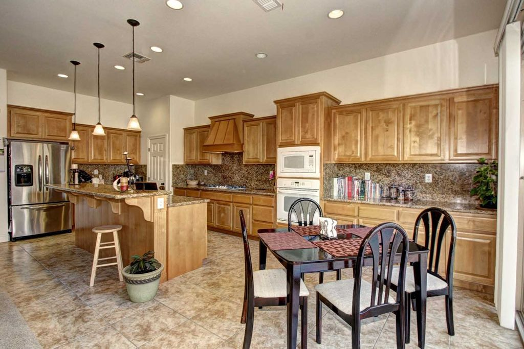 Craftsman Kitchen With Travertine Tile Floors Paint1 In Rancho Cordova Ca Zillow Digs