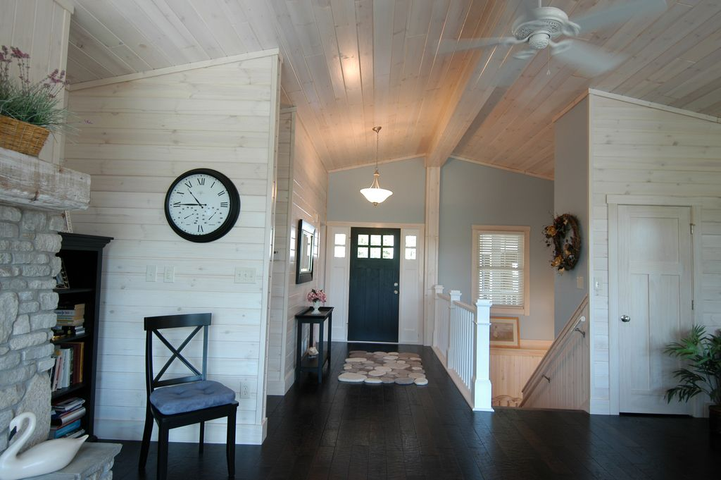 Built-in bookshelves/cabinets, Ceiling fan, Craftsman, Flush/Semi-Flush Mount, Laminate, Loft, Normal (2.7m), Specialty, Transom