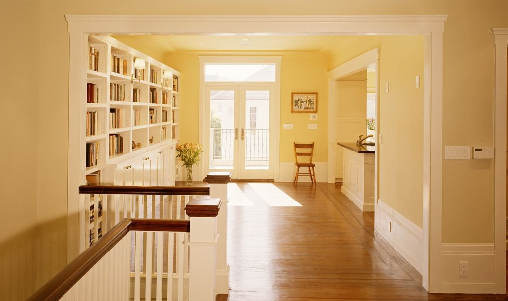 Built-in bookshelves/cabinets, Crown molding, French, Hardwood, Normal (2.7m), Traditional, Transom, Wainscotting