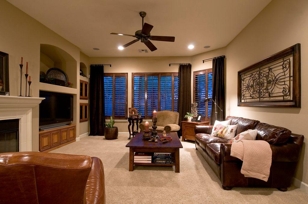 Built-in bookshelves/cabinets, Carpet, Ceiling fan, Mediterranean, Normal (2.7m), Stone