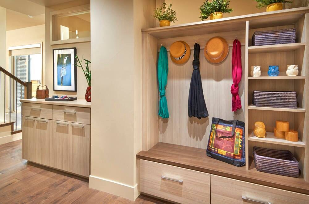Contemporary Mud Room with Built-in bookshelf, Hardwood floors, Paint, picture window, Standard height