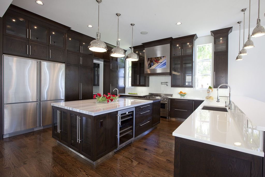 Contemporary Kitchen with Flat panel cabinets, Lg hausys viatera quartz countertop, Glass panel, Simple marble counters