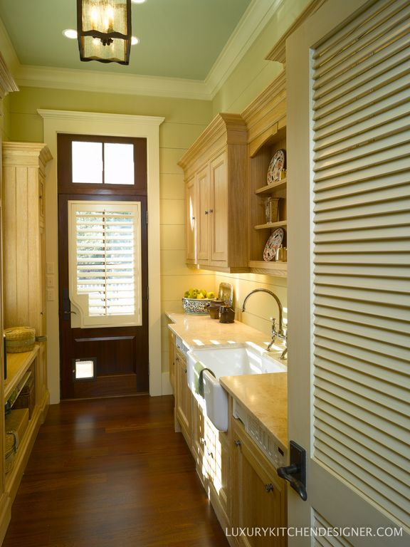 Cottage Laundry Room with Transom window, laundry sink, flush light, Hardwood floors, can lights, Crown molding, Paint 3