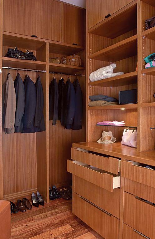 Built-in bookshelves/cabinets, Contemporary, Hardwood, High (3.0-4m), Modern