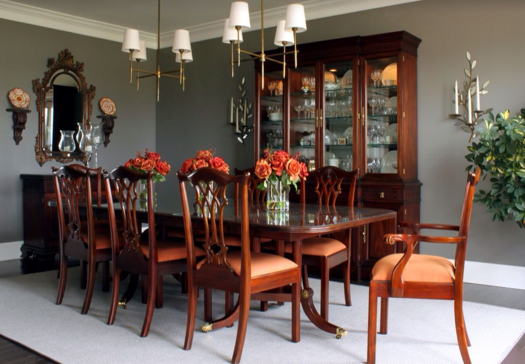 Traditional Dining Room with Chandelier, Standard height, Hardwood floors, Crown molding