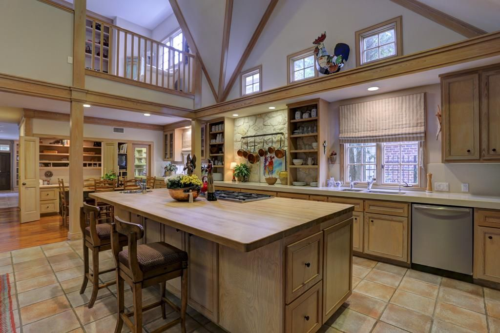 Traditional Kitchen With Balcony L Shaped In Houston Tx