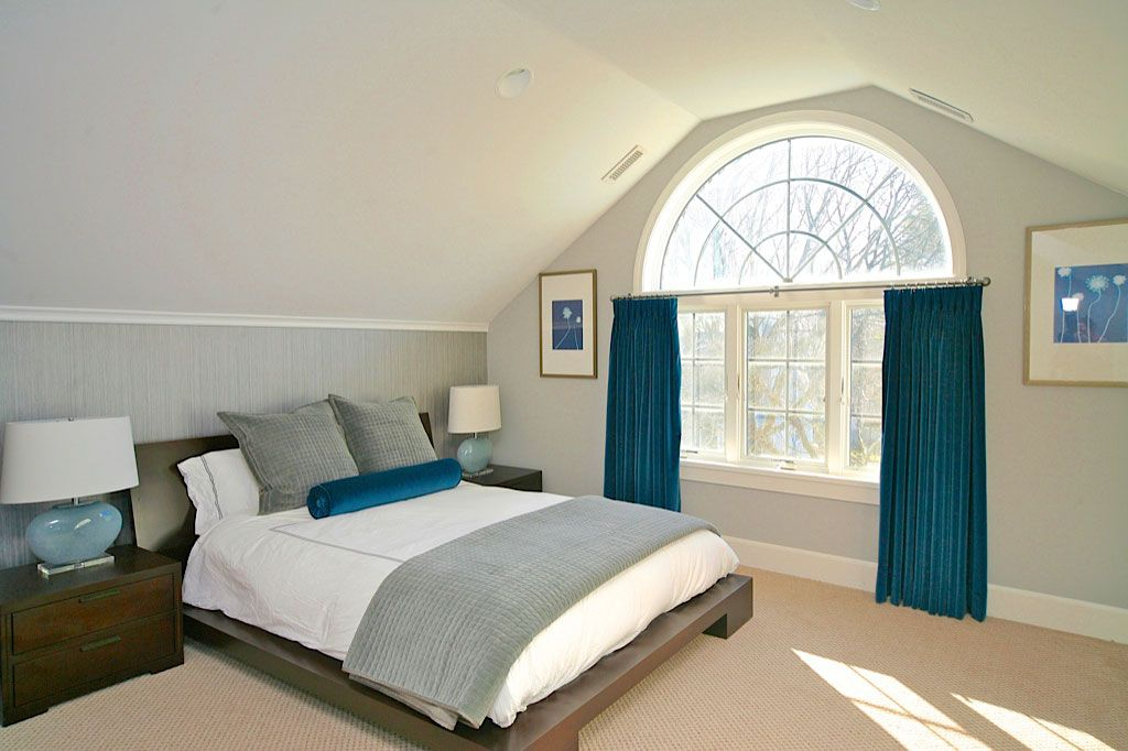 Traditional Master Bedroom with Standard height, Arched window, can lights, Carpet