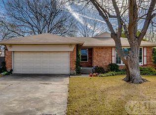 9038 Lydgate Dr , Dallas TX